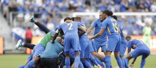 Lutto nel calcio: il portiere del Curacao Jairzinho Pieter è morto per arresto cardiaco
