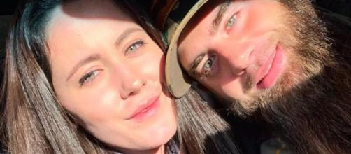 Jenelle Evans and David Eason take a selfie. [Photo credit - Janelle Evans / Instagram]