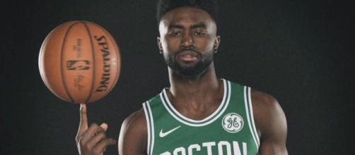 The Spurs tried several times to trade for Jaylen Brown. [Image credit: Instagram/@fchwpo]