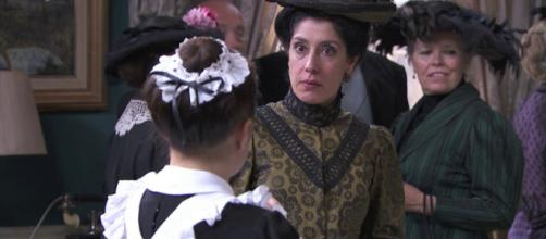 Una Vita, spoiler: Rosina turbata dal ritorno dell'ex amante del defunto Maximiliano