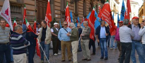 Pensioni, sindacati: manifestazione nazionale a novembre, uscita a 62 anni per tutti