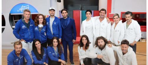 Amici Celebrities, formate le squadre: Bisciglia e Camassa nei Bianchi, la Torrisi nei Blu