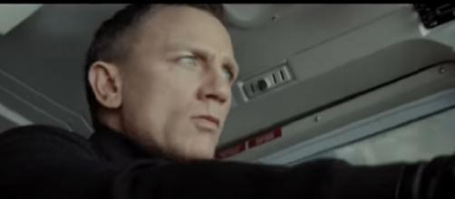 Bond 25 (2020) official trailer #1 [Extended Movie Clip] FM Concept. [Image source/Trending Trailers YouTube video]