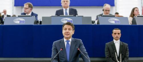 Giuseppe CONTE in un dibattito al Parlamento europeo.