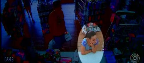 Câmeras registraram Aline na farmácia. (Reprodução/TV TEM)