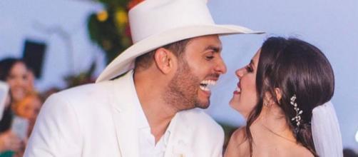 Cantor Mano Walter se casou com a Mis Débora Silva. (Reprodução/Instagram/@mano_walter)