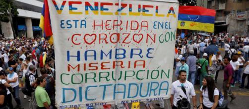 La pobreza crítica ha aumentado en Venezuela, desde el año 2013. - panampost.com