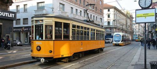 Tram ATM presso la città di Milano