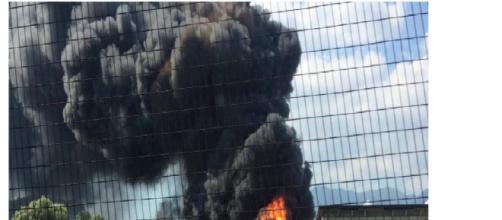 Avellino, esplode una fabbrica che produce batterie a Pianodardine: zona evacuata