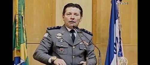 Capitão Assumção oferece recompensa por morte de suspeito. (Reprodução/TV Assembleia)