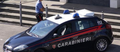 Lecce, fa una festa con i parenti ma è ai domiciliari: arrestato. Le immagini trovate sul suo telefonino