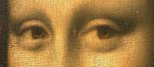 Leonardo Da Vinci's Mona Lisa (detail)` [Image source: Louvre Museum screencap]