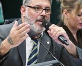 """Frota chama governo de """"pornografia política"""". (Pablo Valadares/Câmara dos Deputados)"""
