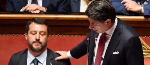 Sondaggi politici: Conte e Salvini i più amati dagli italiani