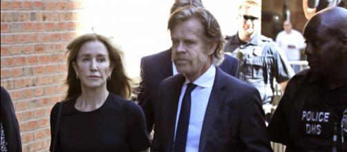 Usa, l'attrice Felicity Huffman condannata a 14 giorni di reclusione per tangenti