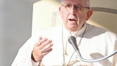 Papa Francesco: 'Ci sono politici che sono insultati, qualcuno se lo merita'