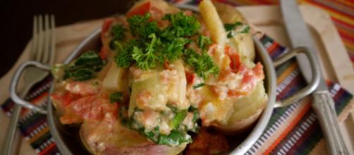 Papas chorreadas, una de las recetas tradicionales de Colombia. - globalfoodconnections.com