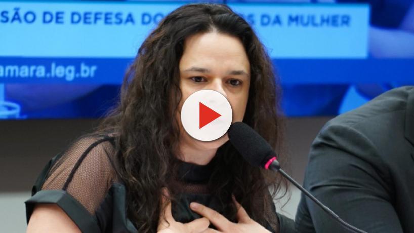Revoltada com vídeo postado, Janaina Paschoal diz que 'Olavo de Carvalho acabou ontem'