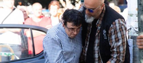José Luis Abet, a su llegada al juzgado de Caldas de Reis (Pontevedra), este martes. / ÓSCAR CORRAL
