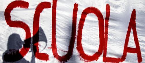 Sciopero scuola 27 settembre: protestano docenti e personale Ata, lezioni a rischio