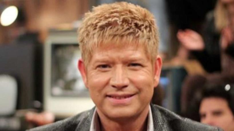 Filho de Roberto Leal admite que a família optou por mentir sobre a saúde do cantor