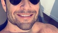 Sergio Marone, de sunga, mostra horta orgânica em vídeo em rede social