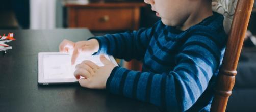 Computadores, tablets, smartphones são portas de entrada para pesquisas e conhecimentos na idade escolar. (Reprodição/Pixabay))