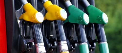 I carburanti alla pompa tornano ad aumentare. A segnalarlo è la Federconsumatori.
