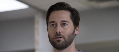 Anticipazioni New Amsterdam: la 2x01 rivelerà il nome del personaggio che ha perso la vita