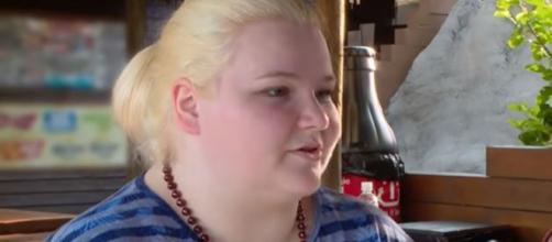 """90 Day Fiance"" alum Nicole Nafzinger works at Starbucks these days - gets money advice - Image credit - TLC / YouTube"