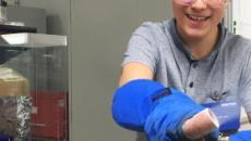 Un adolescente de 18 años gana el Premio de Ciencia de Google con la solución a los microplásticos