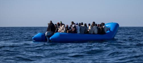 Mistero su un gommone con 41 migranti a bordo partito da Sabrata - tpi.it