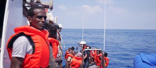 Nave Ong Eleonore sbarca a Pozzallo