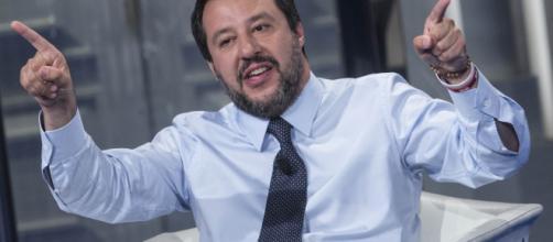 Pensioni, Salvini: Quota 100 ricambio generazionale se non l'ammazzano