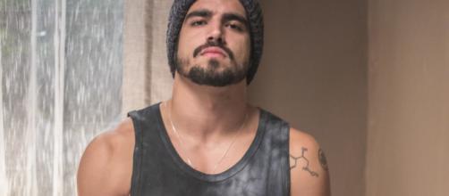 Rock vence a sua primeira luta profissional. (Reprodução/ TV Globo)