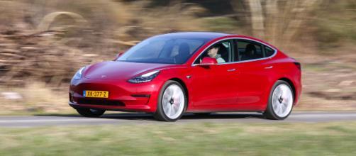 D'après Tesla, la batterie de la Model 3 aurait une durée de vie ... - clubic.com