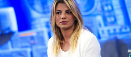 Emma Marrone, appello ai fan: 'Mi devo fermare'.