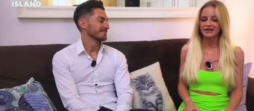 Uomini e donne: dopo la puntata, Vittorio Collina ha pubblicato alcuni video di Katia Fanelli