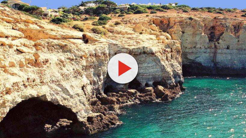 5 reasons to visit Carvoeiro on the Algarve in Portugal