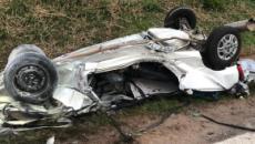 Carro decola em canteiro, bate de frente em ônibus e deixa quatro mortos em Itu (SP)