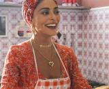 Para roubar receitas de bolos de Maria de Paz, Fabiana passa a coagir funcionários. (Reprodução/TV Globo)