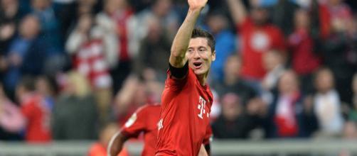 Lewandowski, Suarez, Benzema, Aguero : qui est le meilleur 9 du ... - les-transferts.com