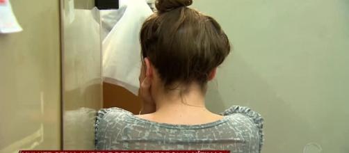 Mulher é presa por extorquir homens após receber fotos íntimas. (Reprodução/Record TV)