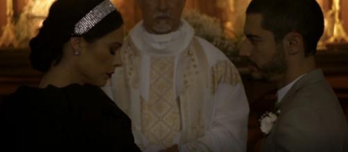 Vivi usuará vestido à moda enterro. (Reprodução/ TV Globo)