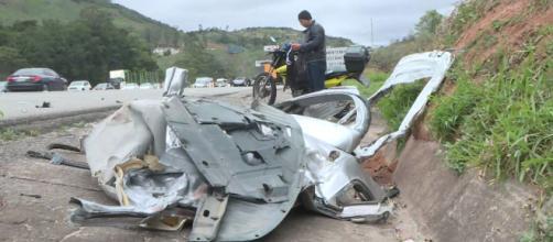 Lancer ficou totalmente destruído. (Reprodução/TV Globo)