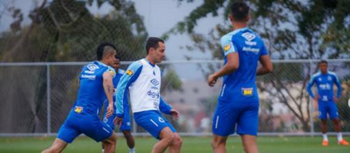 Ceará e Cruzeiro querem espantar má fase. (Reprodução/Instagram/@cruzeiro)