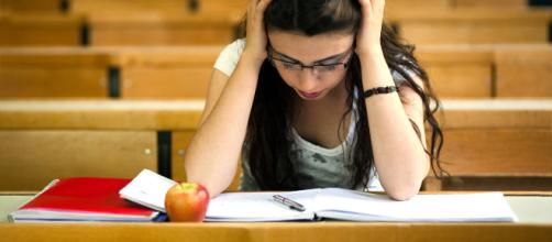 Studiare con metodo è fondamentale per affrontare gli esami senza farsi prendere dal panico