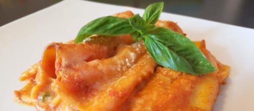 Cannelloni ricotta e salsiccia
