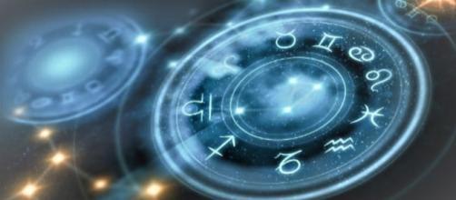 L'oroscopo del 27 settembre, classifica giornaliera: scelte da fare per Cancro