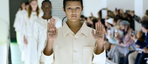 Una modelo levanta la voz contra Gucci